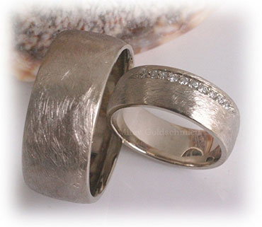 IM338 platinum wedding ring sets ice matted