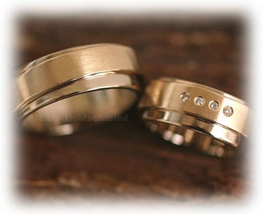 IM331 two tone wedding rings set yellow gold matted