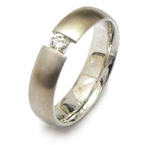 IM402 diamond engagement rings white gold