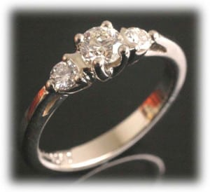 IM650 IM650 0,7k oval diamond engagement rings platinum gold 2