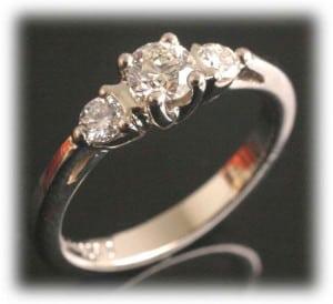 IM650 IM650 0,7k oval diamond engagement rings platinum gold 2
