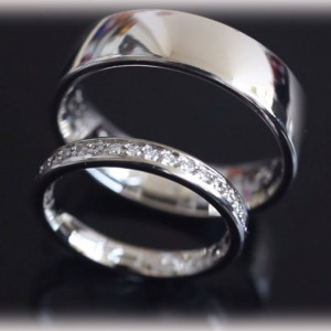 ft270-platinum-wedding-bands-polished-with-diamond-channel