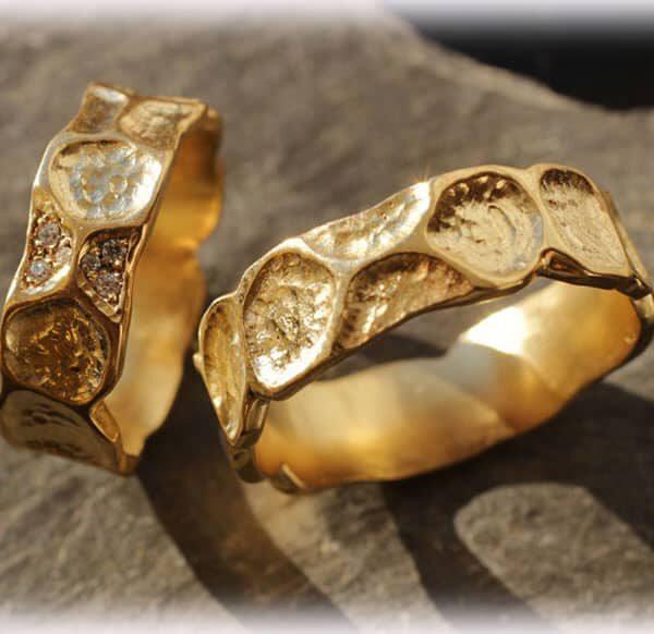 Unusual Wedding Rings Ft121 In Vintage Style