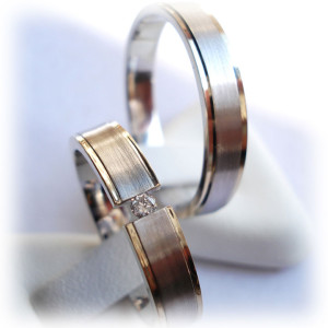 Two-Tone-Wedding-Bands-FT354-with-0,10ct-Diamond